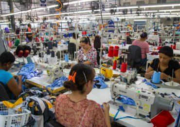 Hoy es día de los trabajadores y tercer aniversario de las relaciones con China