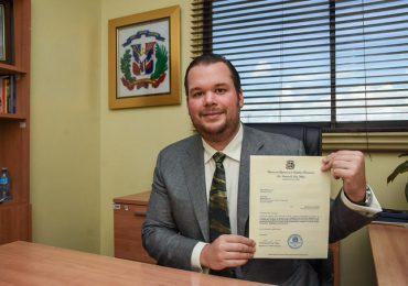 Orlando Jorge Villegas somete proyecto de ley para modificar el nombre del Parque Eugenio María de Hostos