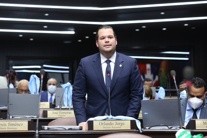 Jorge Villegas llama la atención sobre la posición del PLD ante el Código Penal