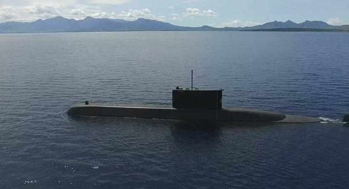 Los tripulantes del submarino indonesio perdido se quedan sin oxigeno