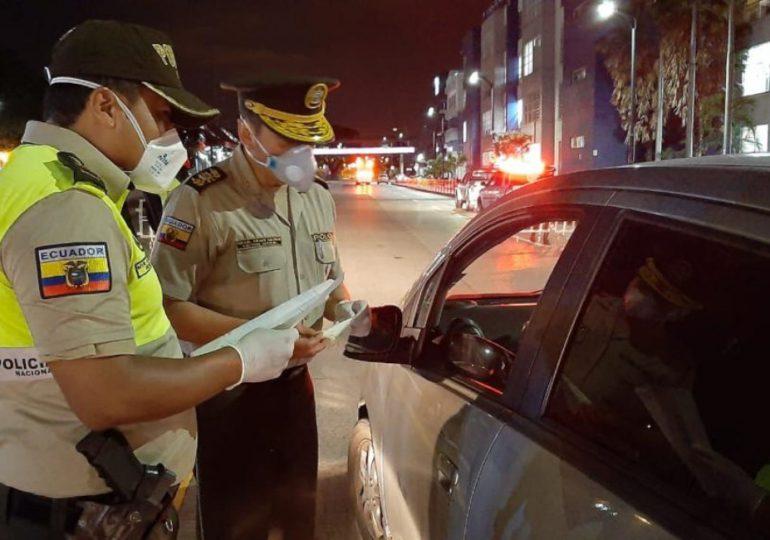 Ecuador impone toque de queda en fines de semana ante aumento de casos de covid-19