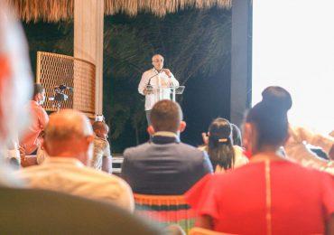 Sector empresarial solicita a Luis Abinader comenzar construcción del aeropuerto Bávaro