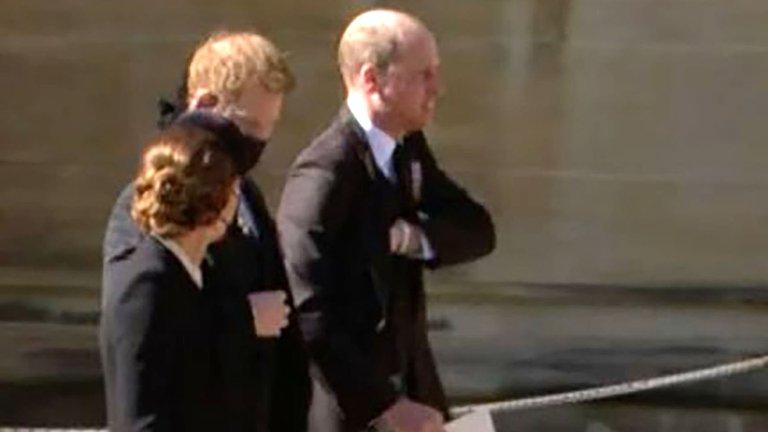 Los príncipes William y Harry se mostraron juntos y hablando en el funeral del Duque de Edimburgo