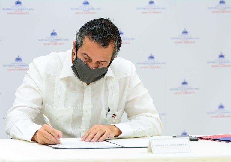 Medio Ambiente entrega el Reglamento de Aplicación de Ley de Residuos Sólidos