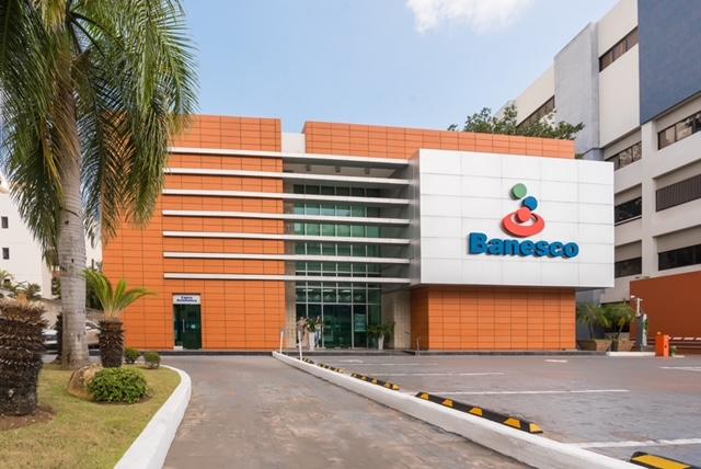 Banesco celebra primera década de operaciones en el país con un crecimiento de activos del 42.82%
