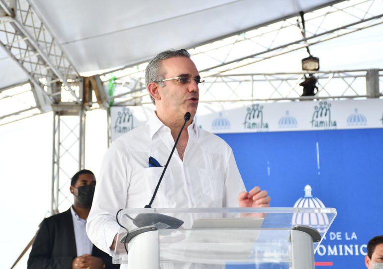 Presidente Abinader viaja este viernes a La Vega y Moca
