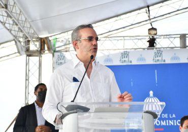 Abinader dice que exceso de vacunas en República Dominicana no será en vano