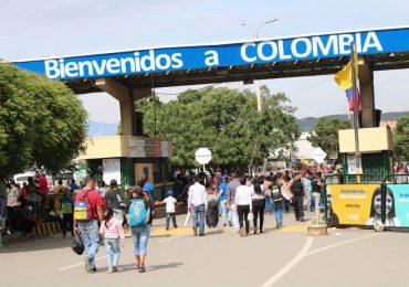 """""""Liberados"""" dos periodistas que fueron detenidos en frontera con Colombia"""