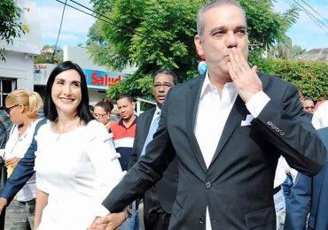 """Raquel Arbaje responde: """"Aquí lo estoy esperando con su cenita y dulcito"""""""