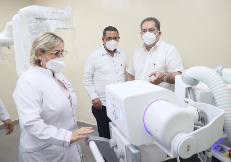 SNS entrega RD$8 millones en equipos a hospital San Vicente de Paúl