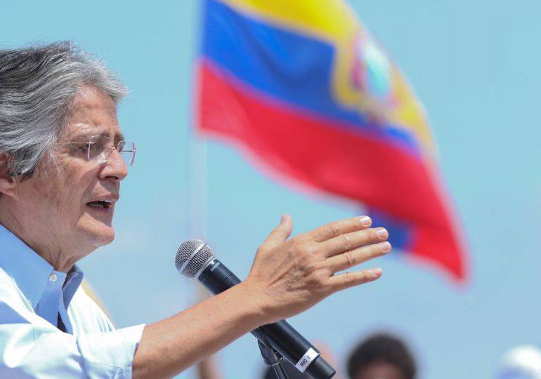 Lasso, a la cabeza del balotaje presidencial en Ecuador tras escrutinio de 51%