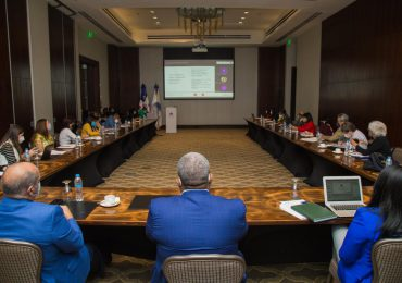Gabinete de Política Social evalúa avances de Centros de Desarrollo Integral para la Mujer