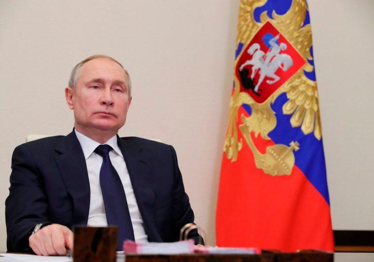 Rusia promete represalias a República Checa por expulsión de diplomáticos