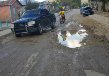 Video   Tres municipios piden a gritos la reconstrucción de una carretera