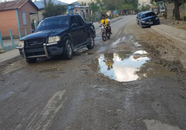 Video | Tres municipios piden a gritos la reconstrucción de una carretera