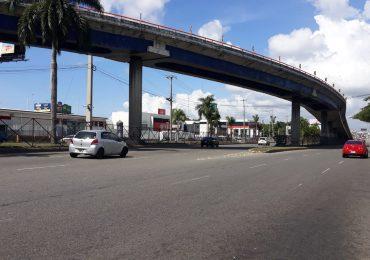 VIDEO | Santo Domingo con poca actividad económica este Sábado Santo; principales avenidas lucen despejada