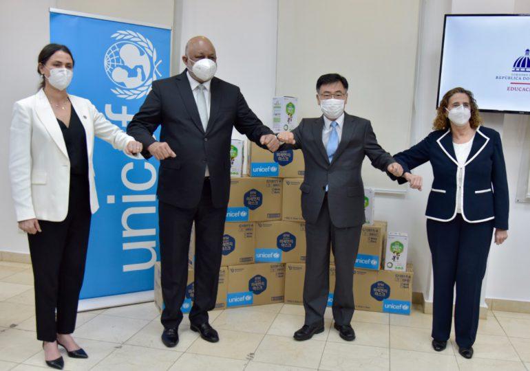 Embajada de Corea y UNICEF donan 500 mil mascarillas a RD
