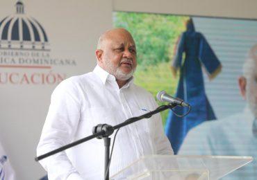 Ministro de Educación, Roberto Fulcar, es el funcionario público de marzo