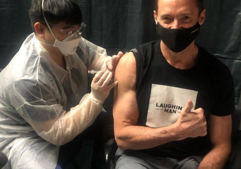 «Wolverine» se vacuna contra el COVID-19