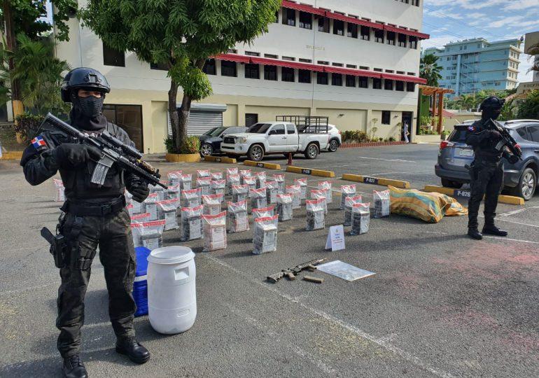 Ocupan 615 paquetes de supuesta cocaína en costas de SPM y Azua