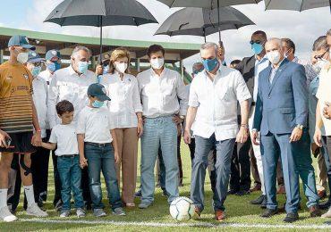 Abinader realizará patada inicial en apertura Liga Dominicana de Fútbol