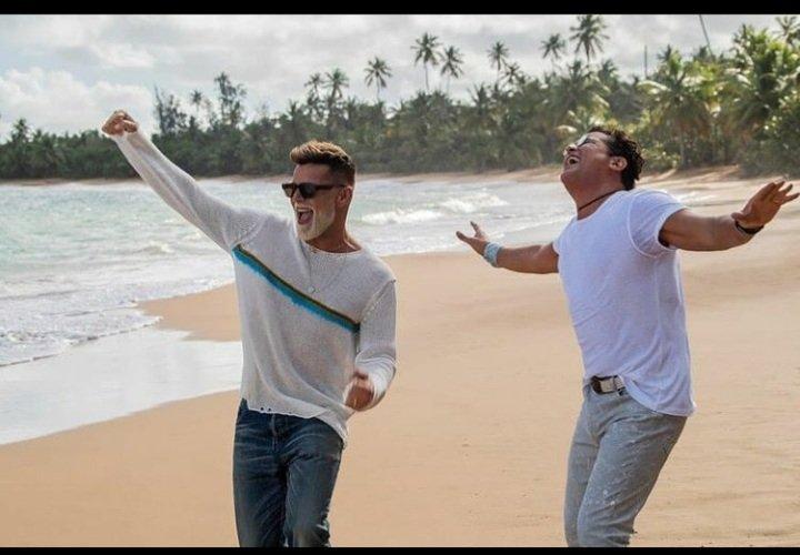 """Ricky Martin y Carlos Vives estrenan colaboración """"Canción bonita"""""""