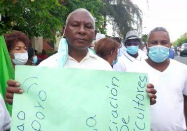Agricultores exigen libertad de Leonardo Faña y reposición en el cargo
