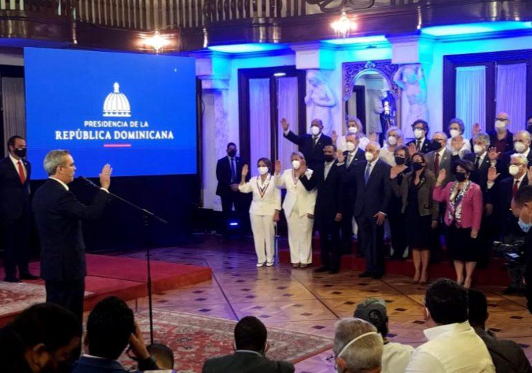 Abinader juramenta Comité Gestor de Voluntariado de Instituciones Públicas