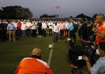 """RD debe estar en el mundial de fútbol,""""sueño de mi papá"""": Abinader"""