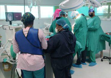 Realiza operativo quirúrgico en el hospital Ney Arias Lora