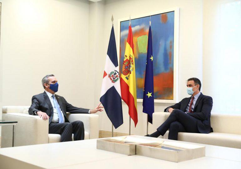 Luis Abinader se reúne con el presidente Español Pedro Sánchez