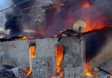 Incendio destruye varias viviendas en Jarabacoa