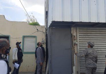 Allanan y desmantelan laboratorio clandestino de bebidas alcohólicas en San Francisco de Macorís