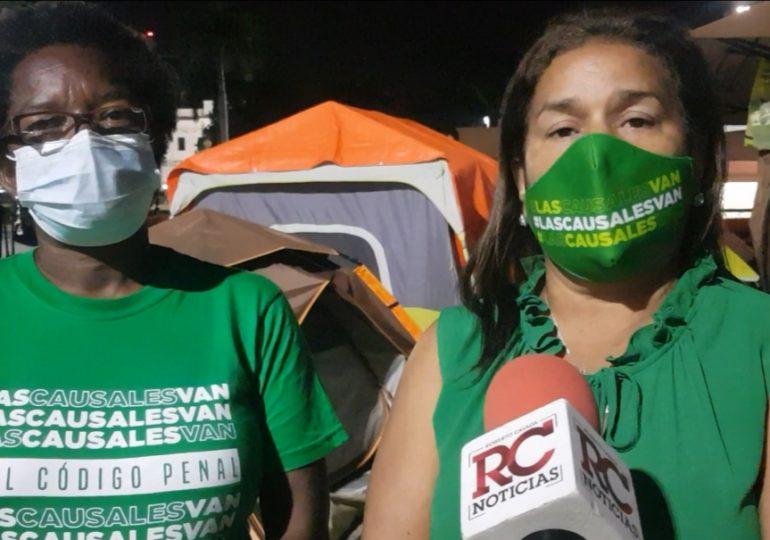 Mujeres que luchan por las tres causales volverán el martes al Congreso Nacional