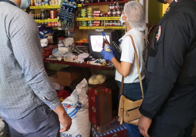 Decomisan 69 unidades de botellas con alcohol adulterado en Puerto Plata