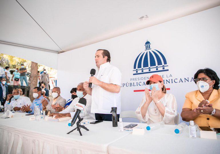 Gobierno entrega RD$40 millones para más viviendas en Independencia