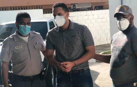 Tribunal rechaza recurso buscaba archivar caso de hombre que lanzó café en la cara a una mujer