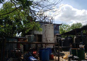 Ministerio Público desmantela fábrica ilegal de grandes volúmenes de bebidas alcohólicas