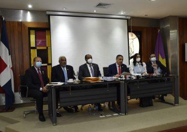 Diputados y miembros del Comité Político del PLD en contra de limitar pruebas PCR