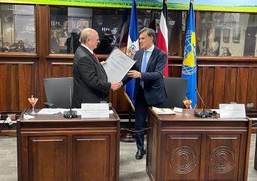 PRM felicita a Hipólito Mejía por el título de Embajador de Buena Voluntad