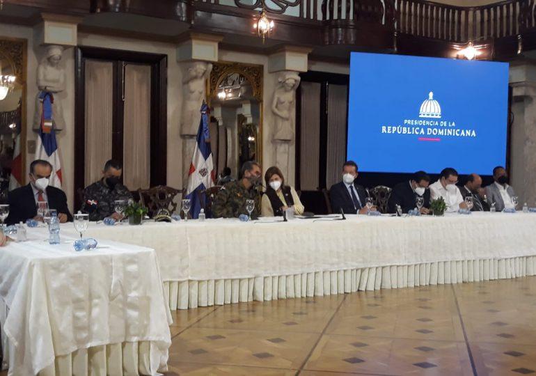 Presidente Abinader emite decreto para controlar la comercialización de metanol
