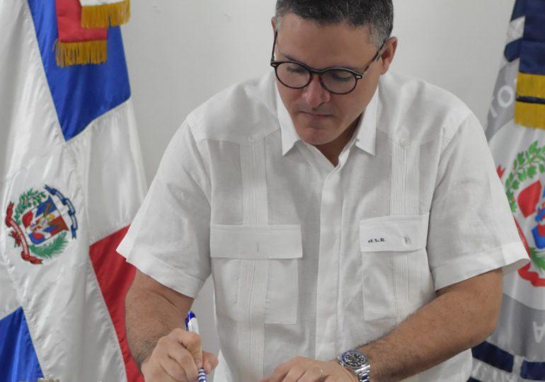 "VIDEO | Funcionarios de Autoridad Portuaria firman ""Compromiso de Ética Pública"""