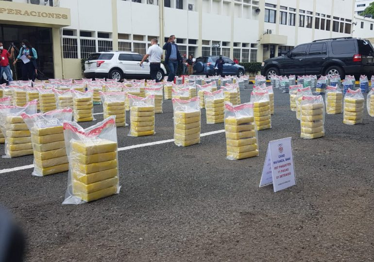 Ocupan 897 paquetes de una sustancia presumiblemente cocaína en las costas de Baní