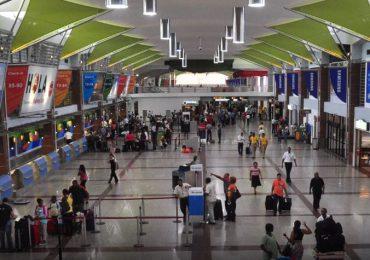 EEUU recomienda no viajar a RD por nivel ''muy alto'' de COVID-19