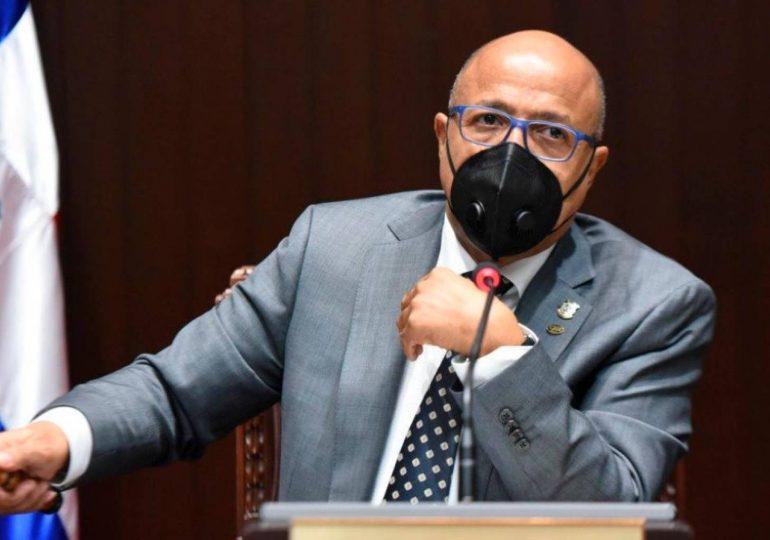 Alfredo Pacheco admite funcionarios prefieren nombrar familiares antes que compañeros del PRM