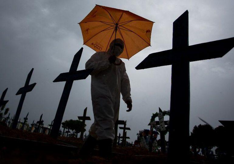 El mundo supera los 150 millones de contagios y Brasil los 400,000 muertos