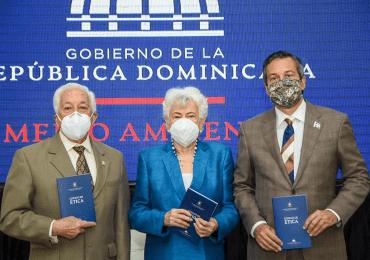 Ministerio de Medio Ambiente ratifica compromiso ético con la DIGEIG en charla institucional