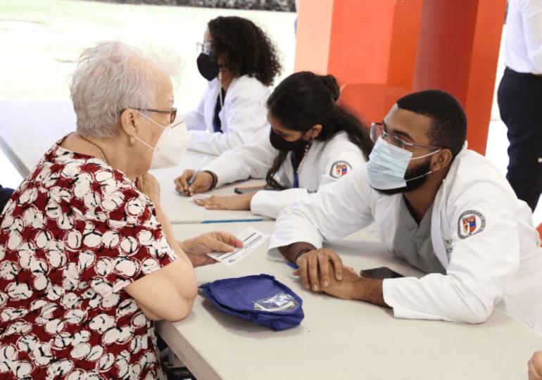 PUCMM detiene temporalmente plan de vacunación por procesos académicos