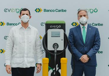 Inauguran estación de recarga para vehículos eléctricos en Banco Caribe