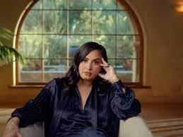 Demi Lovato recrea en un videoclip la noche en la que casi muere por una sobredosis